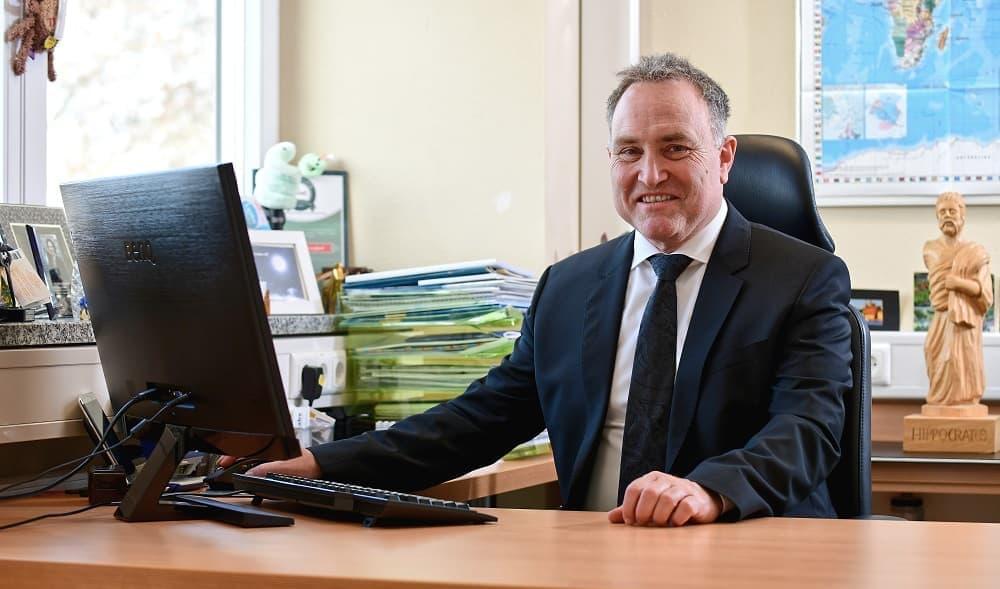 Dr. MED. Armin Schwarzbach